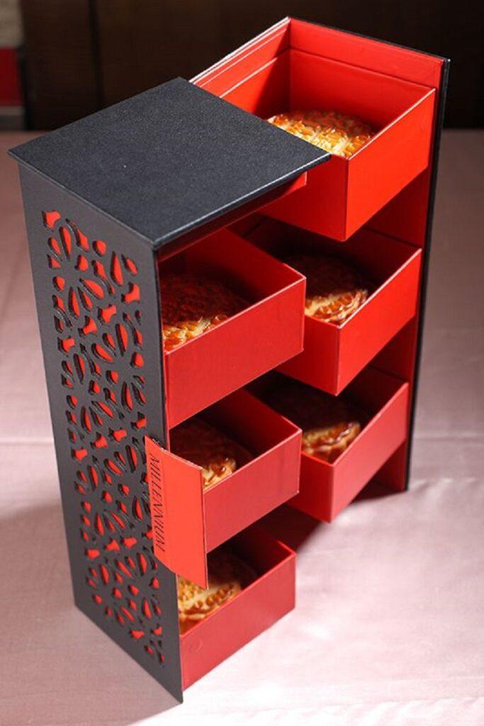 Multi-tier mooncake paper box